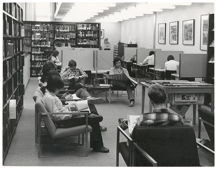 Students study in the library at UW Marathon County